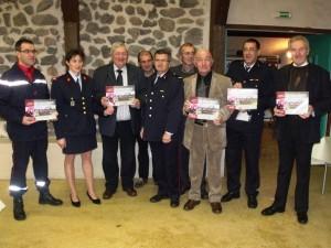A l'occasion de la Sainte Barbe, les pompiers ont remis aux élus présents le calendrier 2013