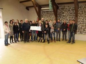 Sport Loisirs Coucouron a remis un chèque de 1835€ à la lutte contre le cancer suite à la manifestation d'Octobre Rose