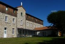 Cour intérieure de la Maison de retraite Saint Joseph à Coucouron